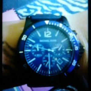 Chronograph quatrz blue dial mans watch